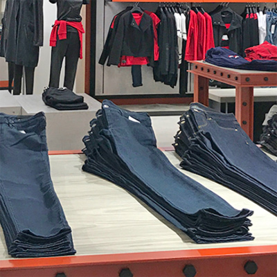 retailers in Netherlands with petite size range