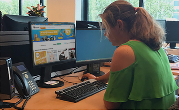 woman shopping online in Holland